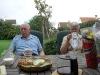Ytterligare besökare, Sven och Anne kom, de hade med sig kaffebröd.