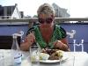 Lördagen den 20:e kom makens barndomsvän Mona på besök och vi satt på hotell Kullabergs veranda och åt god mat i solgasset.