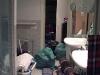 Onsdag kväll, ett av badrummen. Kommer knappt åt att borsta tänderna.