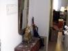 Äntligen har spegeln kommit på plats i hallen ovanför byrån, har inte vågat lyfta den själv pga tyngden.