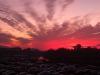 En fantastisk solnedgång över floden Lima