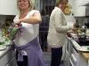 20 oktober - vi lagar middag hemma i det minimala köket. Jag låter mina vänner sköta jobbet...