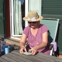 Kortspel i trädgården