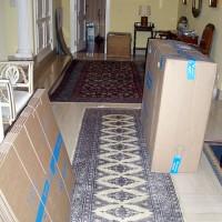Hallen är fylld med nya kartonger, den största kartongen som dom kom i passade perfekt för täcken och kuddar.
