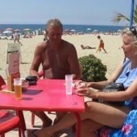 Kortspel på stranden
